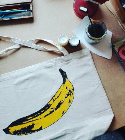 O. Carol sac en tissu peint à la main banane Andy Warhol Velvet Underground work in progress