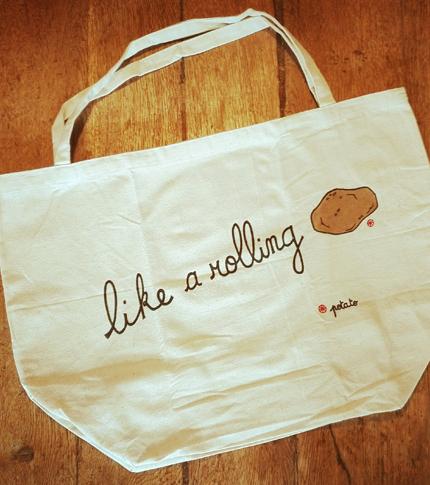 O. Carol sac en tissu customisé peint à la main Like a rolling potato