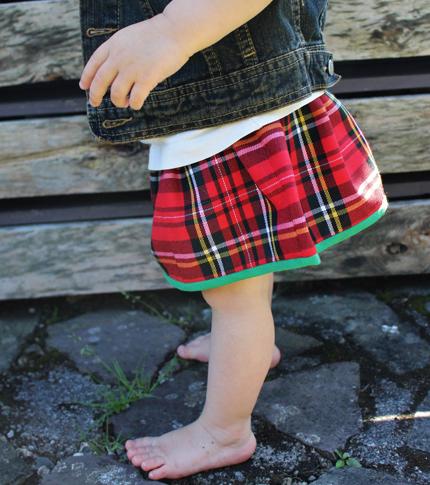 O. carol jupe écossaise pour bébé bord vert et beste en jeans