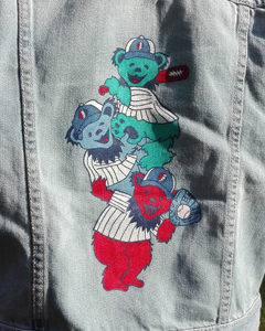 O. Carol customisation de vestes en jeans Chicago Cubs Grateful Dead Bears baseball