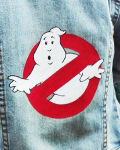 O. Carol customisation de vestes en jeans enfant logo Ghosbusters