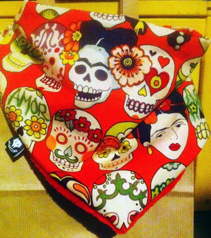 O. Carol foulard Frida Kahlo rouge