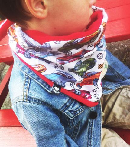 O. carol foulard tissu voitures vintage et polaire rouge
