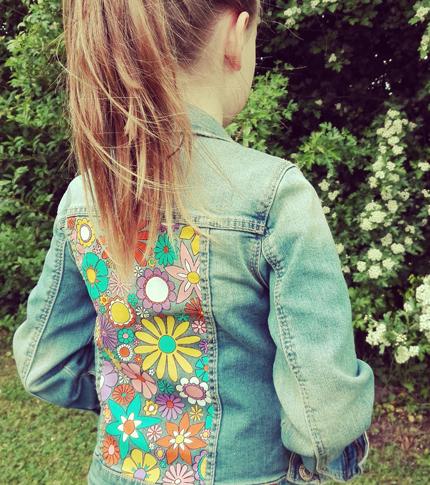 O. Carol veste en jeans pour enfant motif fleuri coloré